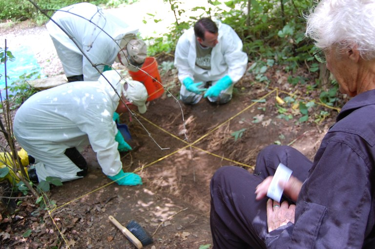 Body Farm 2009: Students Excavate Site Under Guidance of Forensic Anthropologist Stanley Rhine