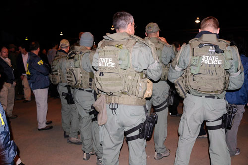 FBI SWAT Teams prepare to go on arrests