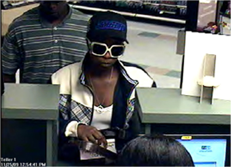 Houston Bank Robbery Suspects, Photo 1 of 2 (11/25/09)