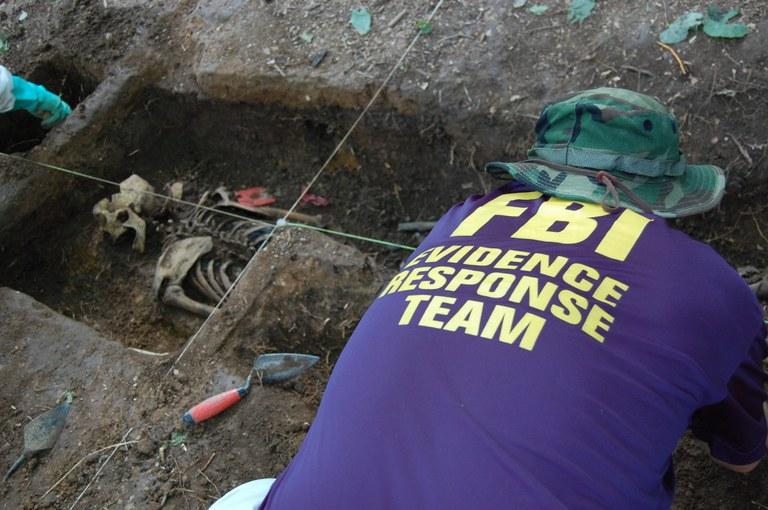 Body Farm 2009: Student Excavates Shallow Grave