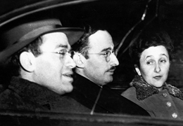 Julius and Ethel Rosenberg ride with Morton Sobell (far left), another convicted member of the Rosenberg's spy ring, as the jury deliberates