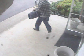 Cosby, Tennessee Bank Robbery Suspect, Photo 5 of 7 (9/27/10)