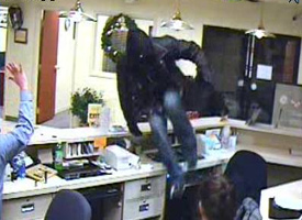 Denver Bank Robbery Suspect, Photo 3 of 4 (12/24/09)