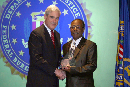 Milwaukee field office Director's Community Leadership Award 2011
