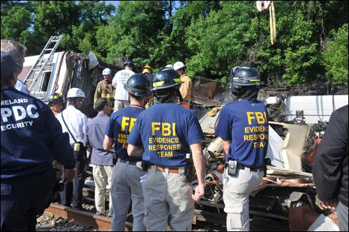 FBI Evidence Response Team personnel at Metrorail train crash