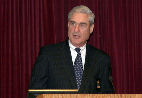 Director Mueller Gives Keynote Address at May 2010 Memorial Service