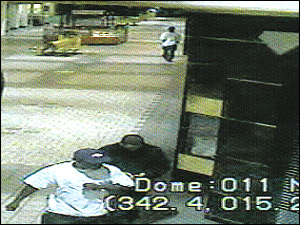 Two Jewelry Theft Ring Members Walking