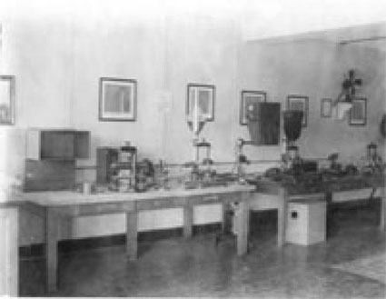 A historical photo of room 802 of the Southern Railway Building in Washington, D.C.