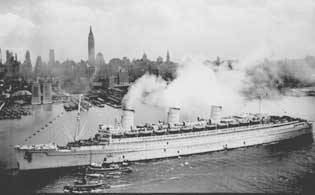 RMS Queen Mary, painted grey in wartime