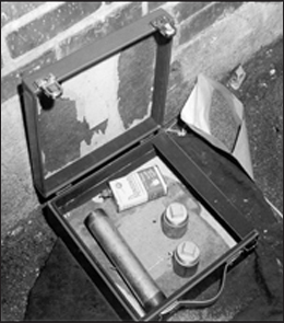 The homemade bomb built by Nussbaum that failed to detonate in Washington, D.C.