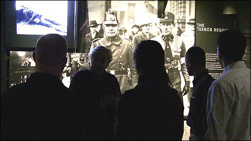 museum_tour500.jpg